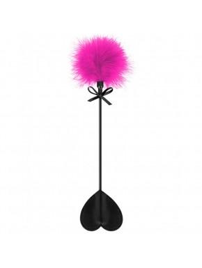 Cravache noire coeur bdsm avec plumeau rose