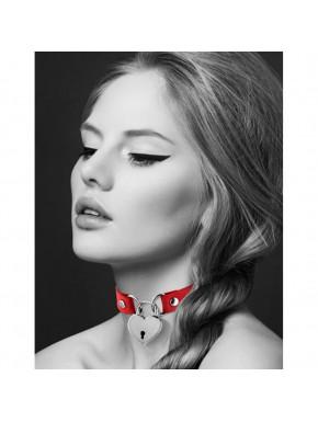 Collier en cuir rouge SM avec pendentif cadenas coeur argenté
